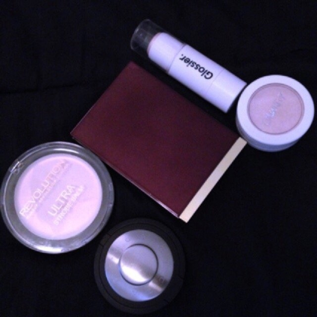 Glossier Haloscope Highlighter uploaded by Katie L.