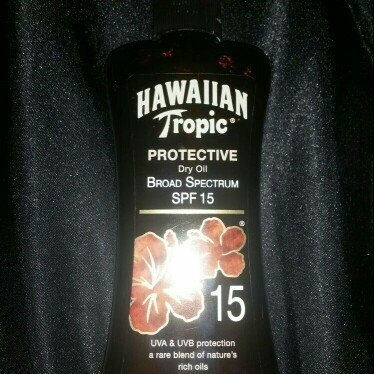 Hawaiian Tropic Protective Dry Oil Sunscreen uploaded by Cait E.