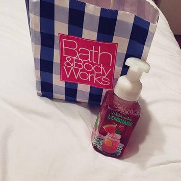 Bath & Body Works Anti-bacterial Gentle Foaming Hand Soap Watermelon Lemonade 8.75oz uploaded by Andrea E.
