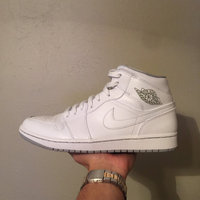 Nike Jordan Men's Air Jordan 1 Mid Basketball Shoe uploaded by Tony A.