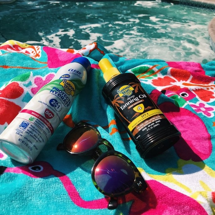 Banana Boat UltraMist Protect & Hydrate Clear Spray SPF 30, 6 oz uploaded by Camila C.