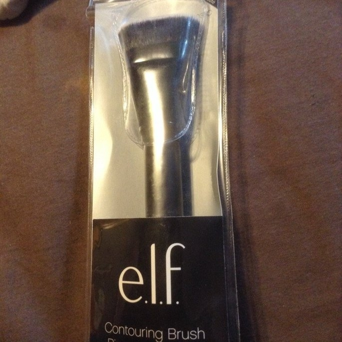 Contouring Brush uploaded by Carolyn C.