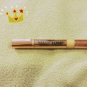 Photo of L'Oréal Paris MAGIC by Studio Secrets Magic Lumi Highlighting Concealer uploaded by Maria O.