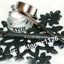 Kylie Cosmetics Kyliner Kit uploaded by Kelsey L.
