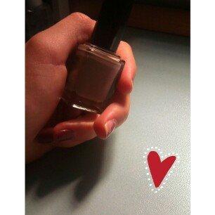 L'Oréal Paris Extraordinaire Gel-Lacque 1-2-3 Nail Color uploaded by Desiree C.