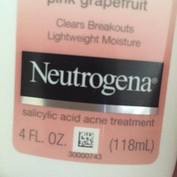 Neutrogena Oil-Free Acne Moisturizer uploaded by April V.