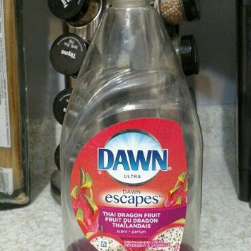 Photo of Dawn Escapes Dishwashing Liquid Thai Dragon Fruit uploaded by Shyanne C.