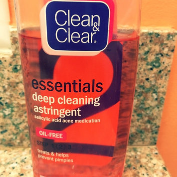Photo of Clean & Clear® Essentials Deep Cleaning Astringent uploaded by Eliany P.