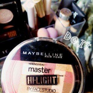 Photo of Maybelline Face Studio Master Hi-light Blush uploaded by Aleisha B.