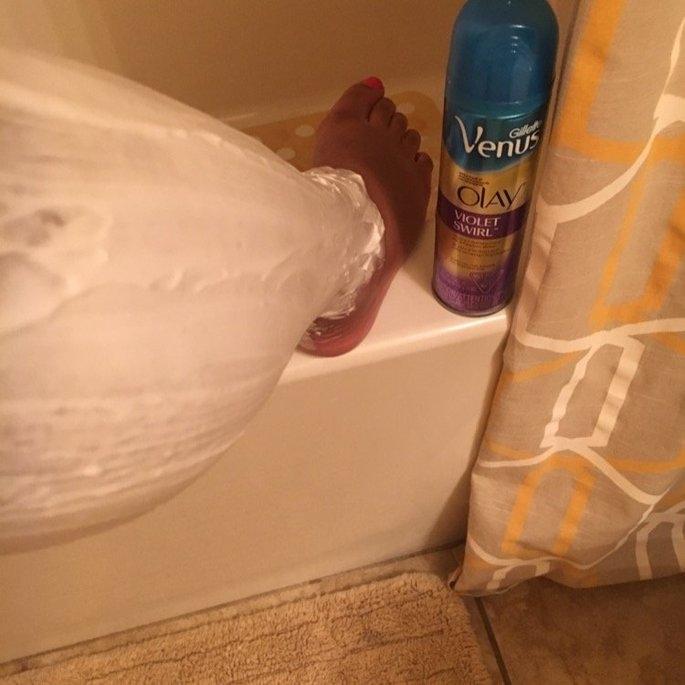 Gillette Venus Ultramoisture Violet Swirl Shave Gel with Olay uploaded by Shannon J.