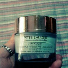 Estée Lauder Daywear Advanced Multi-Protection Anti-Oxidant Creme Oil-Free Broad Spectrum SPF 25  uploaded by Krsna S.