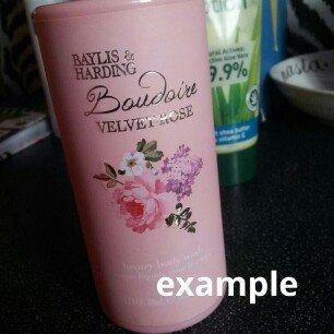 Photo of Baylis and Harding Boudoire Velvet Rose Vanity Case Set uploaded by JooJoo M.