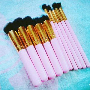 Photo of Sculpt and Blend - 10 Piece Brush Set uploaded by Elaine I.
