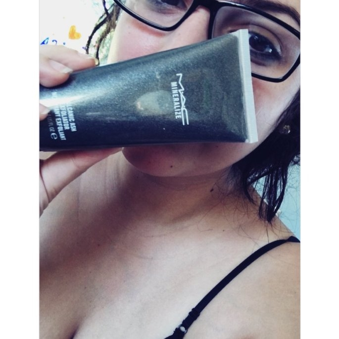 M-A-C Mineralize Volcanic Ash Exfoliator uploaded by Emily L.