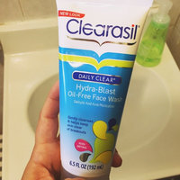 Clearasil Daily Clear Hydra-Blast Oil Free Face Scrub uploaded by Evelyn O.