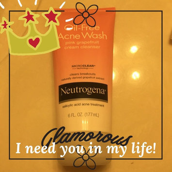 Photo of Neutrogena® Oil-Free Acne Wash Pink Grapefruit Cream Cleanser uploaded by Milagro G.