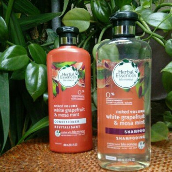 Herbal Essences bio:renew Naked Volume White Grapefruit & Mosa Mint Conditioner uploaded by Desirée T.