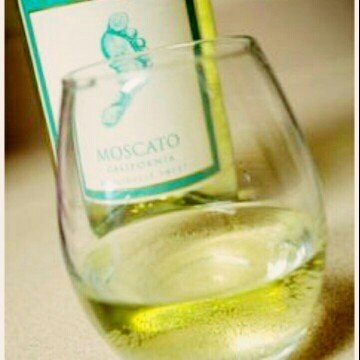 Barefoot Moscato uploaded by Cate B.