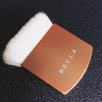 Photo of BECCA The One Perfecting Brush Limited Edition Blushed Copper uploaded by Carolina Z.