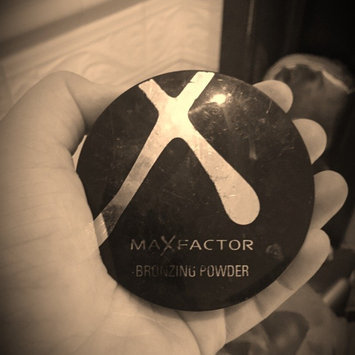 Photo of Max Factor Bronzing Powder 01 Golden uploaded by Emily G.