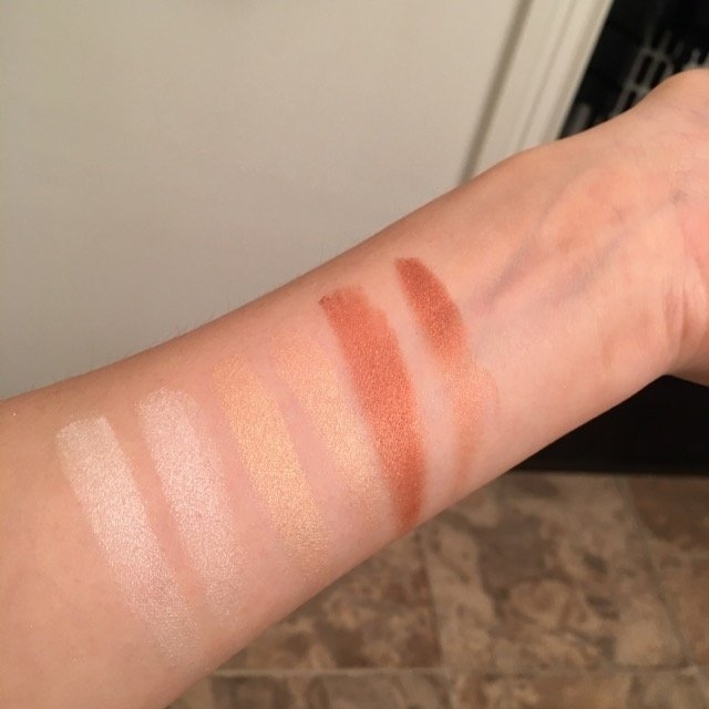 Physicians Formula Bronze Booster Highlight + Contour Palette uploaded by Helen C.