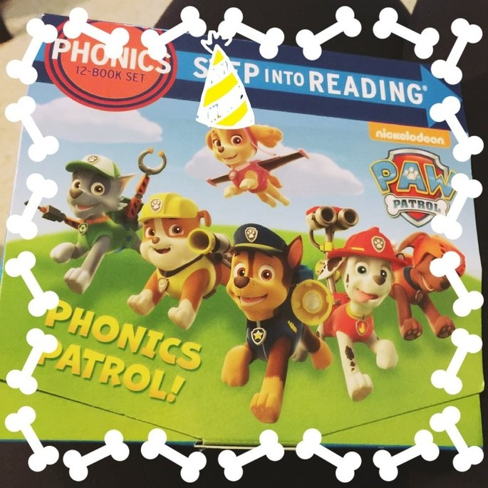 Paw Patrol Phonics Box Set ( Step into Reading: Paw Patrol) (Paperback) uploaded by Cara B.