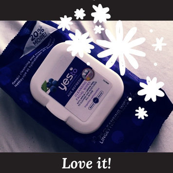 Photo of Yes To Blueberries Cleansing Facial Wipes uploaded by Yessica A.