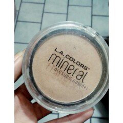 Photo of L.A. Colors Mineral Pressed Powder uploaded by Karla L.
