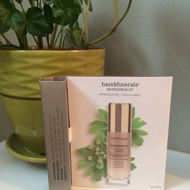 bareMinerals READY Foundation Broad Spectrum SPF 20 uploaded by Kelly N.