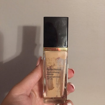 Photo of Estée Lauder Perfectionist Youth-Infusing Serum Makeup SPF 25 uploaded by Susan M.