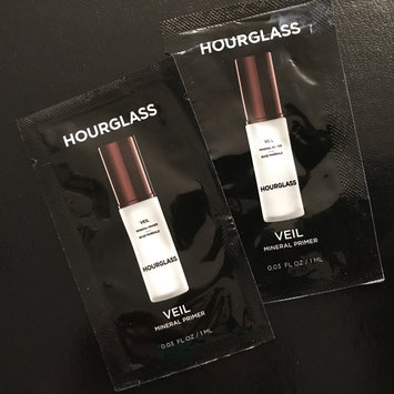 Hourglass Veil Mineral Primer SPF 15 uploaded by Daisy A.