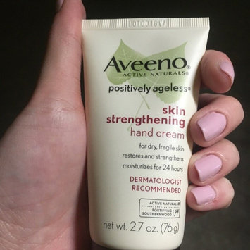 Photo of Aveeno Active Naturals Positively Ageless Skin Strengthening Hand Cream uploaded by Liz N.