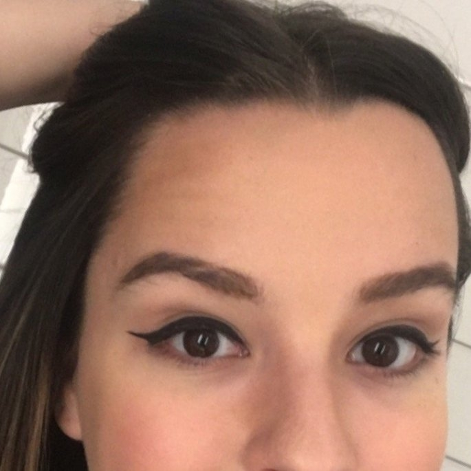 Benefit Speed Brow Tinted Eyebrow Gel uploaded by Emma H.