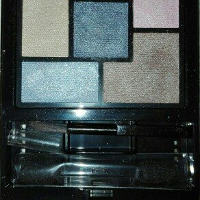 Photo of Yves Saint Laurent Couture Eye Shadow Palette uploaded by Miriam