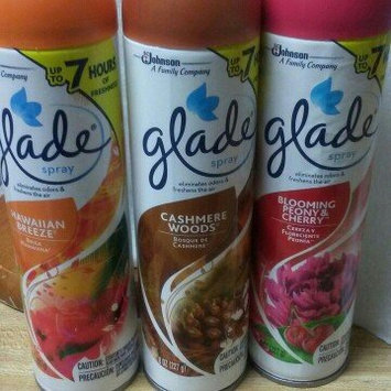 Photo of Glade Cashmere Woods Room Spray uploaded by Lisa E.