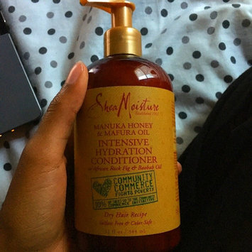 Photo of SheaMoisture Manuka Honey & Mafura Oil Intensive Hydration Conditioner uploaded by Régine H.