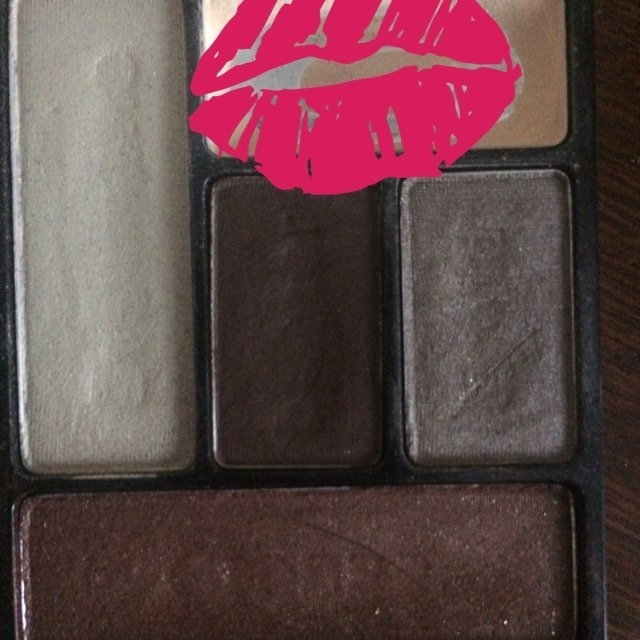 Wet n Wild Color Icon Eyeshadow Palette uploaded by May L.