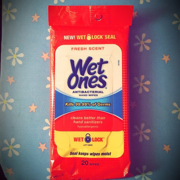 Wet Ones Antibacterial Hand Wipes Fresh Scent 20 ct uploaded by Denisse G.