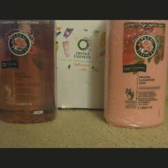 Herbal Essences Smooth Collection Shampoo uploaded by Lisa L.