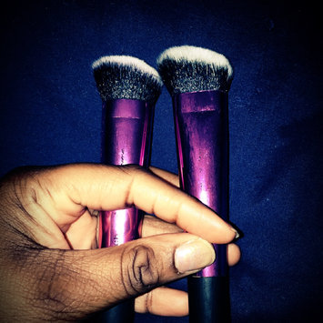 Photo of Head Real Techniques Sculpting Makeup Brush uploaded by Lyneia B.