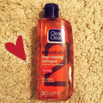 Photo of Clean & Clear® Essentials Deep Cleaning Astringent uploaded by Lauren S.