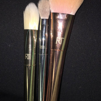 Photo of Real Techniques: Bold Metals Collection Spotlight Essentials Holiday Set uploaded by Candice K.