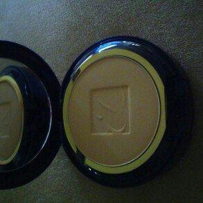 Photo of Estée Lauder Double Wear Stay-in-Place Powder Makeup uploaded by sierra l.