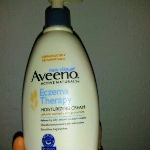 Aveeno Active Naturals Eczema Therapy Moisturizing Cream uploaded by ismaray g.