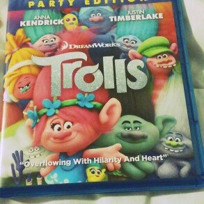 Trolls [blu-ray] uploaded by Veronica G.