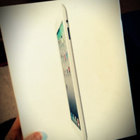 Apple iPad 2 with Wi-Fi 16GB White MC979LL/A uploaded by Megan Y.