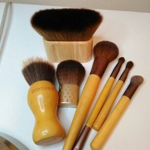 Ecotools Makeup Brushes  uploaded by Ana R.