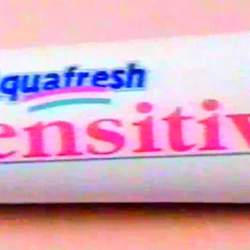 Photo of Aquafresh Sensitive Toothpaste Smooth Mint, 5.6-Ounce (Pack of 3) uploaded by Julissa Bm119909 V.