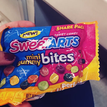 Photo of SWEETARTS Mini Gummy Bites 10 oz Bag uploaded by Miranda a.