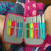 Clover Mfg Co Ltd Clover Amour Crochet Hook Set of 10 Assorted Sizes and Case uploaded by Hollyanne B.